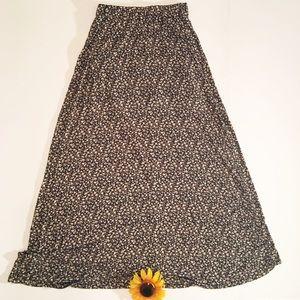 Black/white floral Brandy Melville maxi skirt